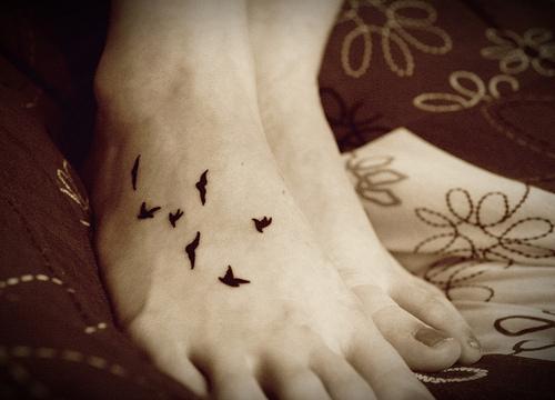 tatuagem-passaros-pes_large